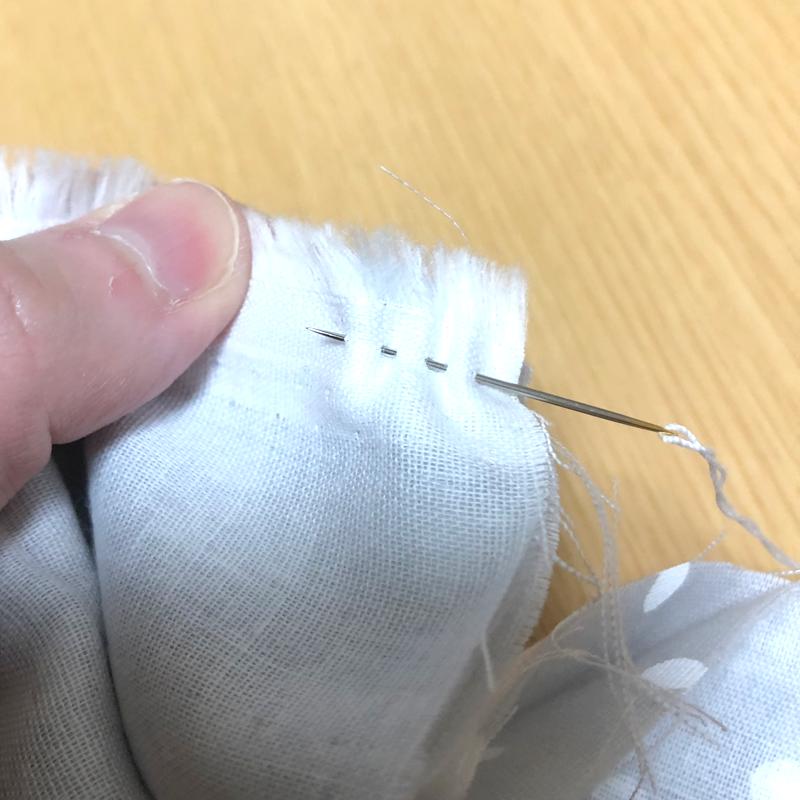 手縫いマスク作り方 和になっていない方を縫う なみぬい